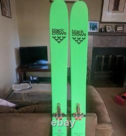 BLACK CROWS Navis Freebird Skis 2021